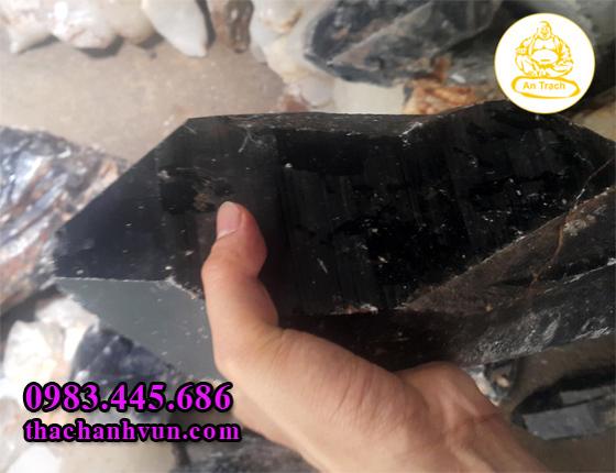 Nhung-loai-da-thach-anh-den-tinh-the-dung-de-tran-trach%20copy